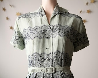 Pale green 1940s/1950s dress M