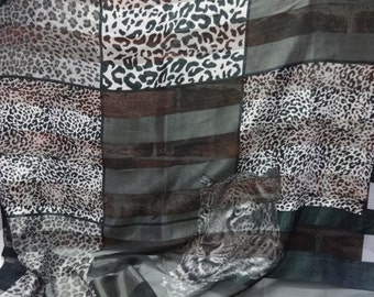 Vintage Retro Black White Leopard Shawl Scarf 101cm x 105cm