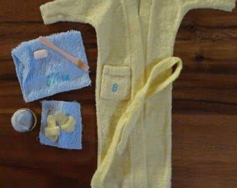 Barbie ~ #988 Singing in the Shower: robe, tie, slipper, towel, wash cloth, talc box bottom, puff, soap and shower wand