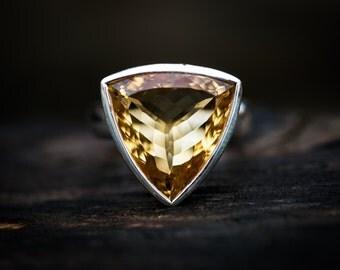 Citrine Ring 7 - Citrine Ring - Citrine  Ring size 7 - november birthstone- Citrine Ring - beautiful citrine sterling silver ring - Citrine