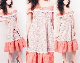 Vtg 70s Pink Floral Cotton Prairie Dress / Peasant Style / Boho Hippie Festival / Pastel / Ruffle