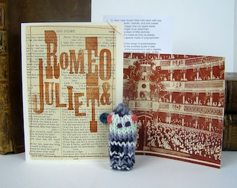 Romeo. Juliet. Mercutio. William Shakespeare. Queen Mab. Shakespeare gift box with knitted actor, folded stage & speech.