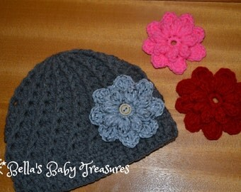 Beanie with interchangeable flowers