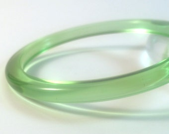 Vintage Bakelite Bracelet -  Rare Pale Lime Green Clear Prystal Polished Bakelite Catalin Bangle 1/4""