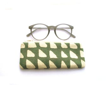 Glasses case, eyeglass sleeve, reading glasses case, case for spare glasses, fabric eyeglass case, cotton, green, cream