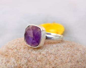 Amethyst Ring, 925 Silver Ring, Gemstone Stacking Ring, Gift for her, Bezel Set Ring, Amethyst Jewelry, Cushion Ring size 6.5, 8