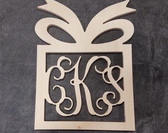 26 inch Present Border Wooden vine Monogram