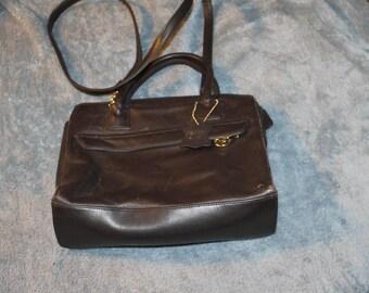 Vintage Giani Bernini, Genuine Leather, Brown Color, Metal Tags, Detachable Strap, Two Small Handles, Crossbody or Handbag, Nice Condition