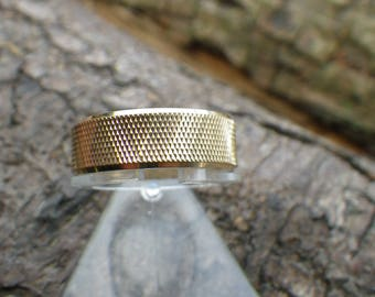 Vintage 9ct Yellow Gold Pitted Wedding Band Ring