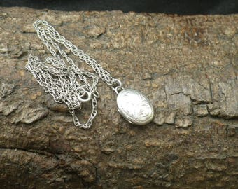 Sterling Silver Prince of Wales  Link Necklace Chain Oval Picture Locket Pendant