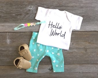 Hello World Onesie, Newborn Onesie, New Baby, Baby Shower Gift, Going Home Outfit.