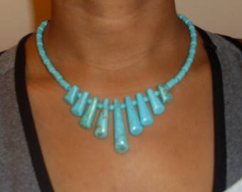 A Beautiful Pendulum style Blue Turquoise Necklace