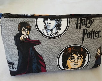 Harry Potter cosmetic bag, Harry Potter make-up bag, zipper pouch make-up case,  Harry Potter bag, go-bag, cosmetic organizer, travel bag