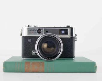 Vintage Camera Yashica 1C Lynx 14E, Rangefinder Camera, 35mm, 1960s Camera, Photography Collectible, Photo Prop, Office Studio Decor