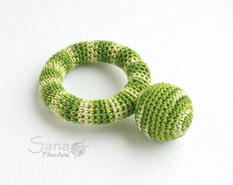 Crochet Teether, teething toy, wooden chew on ring, Newborn Baby, Green, crocheted wooden toy, multicolor, baby shower idea, waldorf