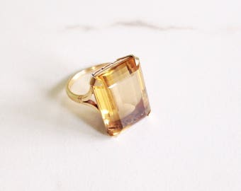 Reserved for Jean//Vintage Cintrine and 18k gold ring. Vintage statement ring. Vintage Citrine ring.