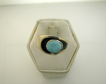 Sterling Silver Ring with Turquoise Size 9.5