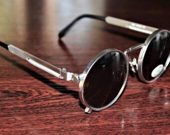 Sunglasses design similar to Vintage Jean Paul Gaultier Sonnenbrille