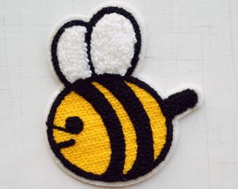 9 x 8 cm, Cute Yellow Bee Sew On Patch (P-524)