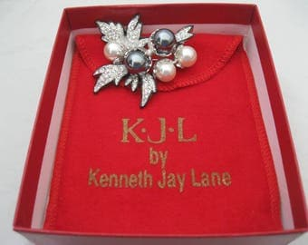 Kenneth Jay Lane KJL Black/Silver Christmas Brooch Leaf Berries