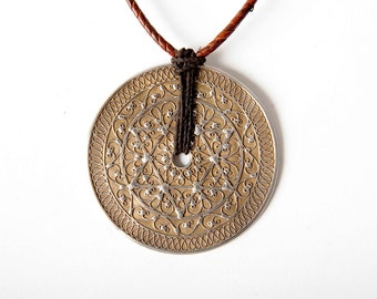 Large Indonesian disc pendant 6 pointed star - silver kawari
