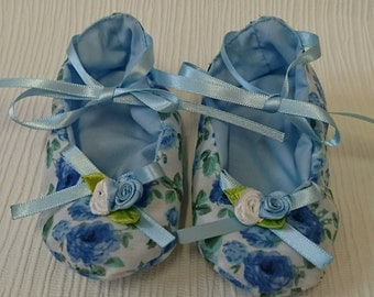 Baby shoes,  baby shower gift,  Crib shoes,  booties,  soft soled shoes,  baby gift,  special occasions,  weddings, Christenings, photoprop