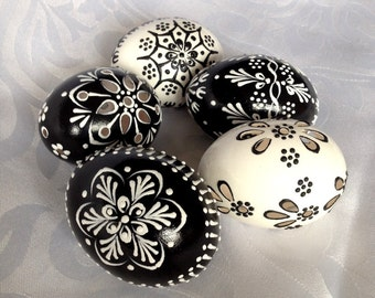 Set of 5 black white Hand Decorated Madeira Painted Chicken Easter Egg with or without Ribbon,Drilled Traditional Slavic Wax Pinhead,Pysanka