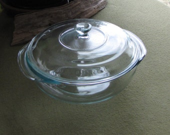 Vintage Pyrex Casserole Dish Original Clear Two (2) Quart Covered Casserole Ovenware Mid Century Modern Cookware Discontinued Kitchens
