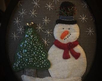 Adorable Snowman Felt Applique Holiday Decor!