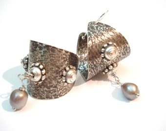 Silver Hammered Tahitian Pearls Hoop Earrings Riveted Antique Face Basket Hoops Sterling Silver Earrings Modern Cold Connection Earrings