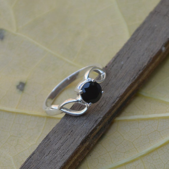 Sterling Silver Statement Ring, round facited Black Onyx Ring, Onyx Ring, Black Ring,Bezel Set Ring,Birthstone Ring, Silver Ring Size 9