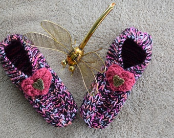 Hand knitted Girls / Ladies Bed Socks / Bed Slippers (Medium)