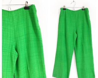 Anne Klein kelly green wide leg cropped pants/culottes. Size S/M.