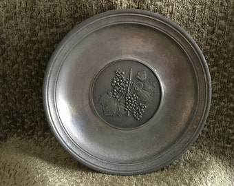 Zinn Giesser Innung Pewter Wall Plate, Embossed Grape Pattern,  Pewter Wall Plate, Germany, Hanger on Back, Collectible Wall Plate
