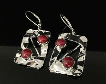 Red Coral Earrings // Hammered 925 Sterling Silver Setting // Natural Red Coral Earrings // Lever Wires