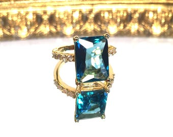 Vintage Something Blue Rhinestone Gold Ring with Diamond Accents Ring Size 7 1/2