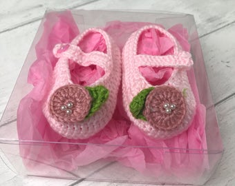 Newborn baby shoes, perfect baby gift, handmade baby shoes, aged 0-6 months - pink newborn baby gift, baby shower gift, booties, soft shoes