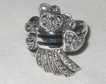 Vintage silver marquisite ring