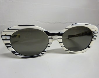 Vintage American Optical Cat Eye Sunglasses Vivacious True Color CN 96 T - FREE SHIPPING