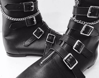 Original Pikes-4 Buckle Boots no front seam with chain