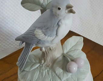Vintage Bird Music box Crowning Touch