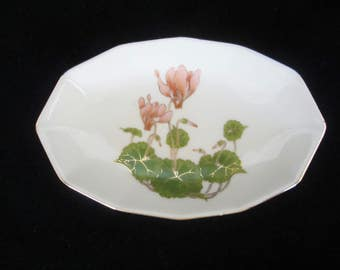 Otagiri Japanese Porcelain Soap-Dish - twelve sided, pink cyclamen flowers & heart-shaped leaves. Gold gilding throughout. Mothers day gift!