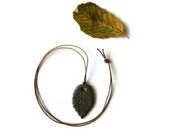 Green leaf necklace, Simple leaf pendant, woodland leaf necklace, polymer clay leaf