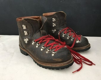 Dunham Hiking Boots with Vibram Soles - Vintage Hiking Boots - Leather Hiking Boots - Brown Boots