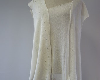 Irregular handmade off-white top, XXL size. Only one sample.
