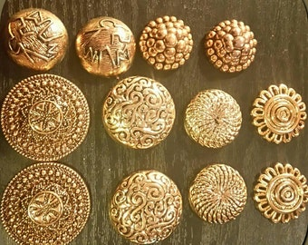 Lot of 12 resin cabochons Golden patina old gold