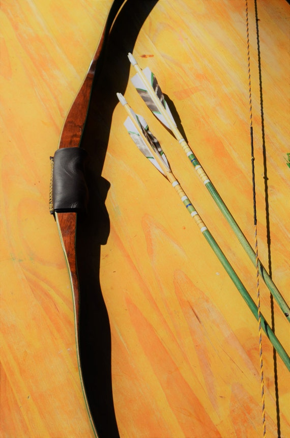 Archery Bow, Vintage Shakespeare Shim-bo, 20# recurve bow, ambidextrous