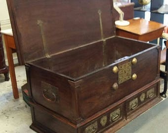 REDUCED** Huge Antique Colonial C1860 Mule Chest Or Trunk Storage Blanket Box Coffee Table
