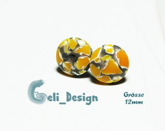 Cabochon studs yellow white marbled