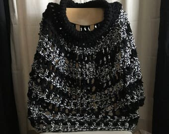 Black and White Shoulder Wrap